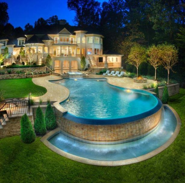 Pictures-of-houses-with-pools